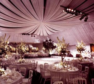 1-VINYL-WHITE-FORMAL-SETTING3