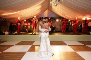 1-plank-white-composite-laminate-wedding-1-1024x683