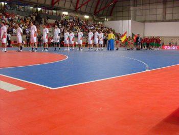 Våre mobile håndballgulv er sertifisert av det internasjonale håndballforbundet