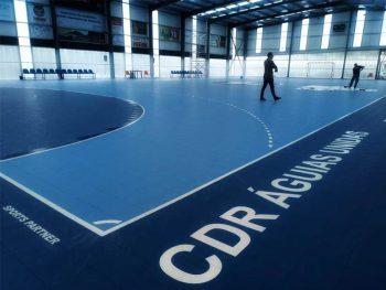 Det mobile håndballgulvet er konstruert for å gi optimal sportslig komfort for idrettsutøverne