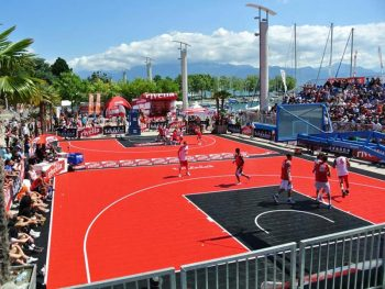 The mobile basketball floor has been developed under the guidance of sports professionals from all over the world