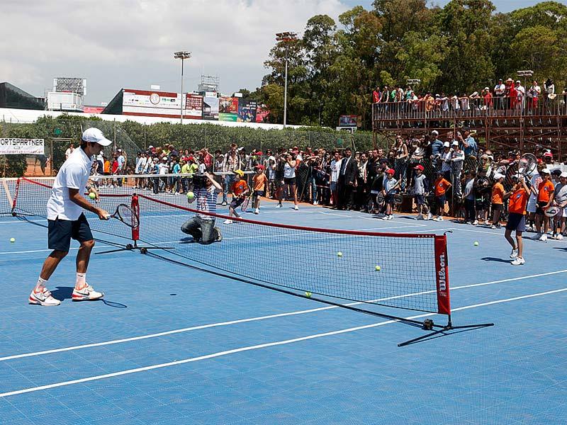 Det mobile tennisgulvet er modulbasert
